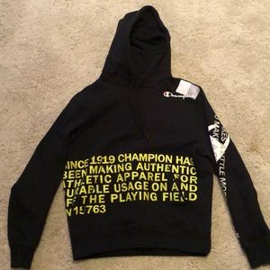 Hooded Champion Sweatshirt size M